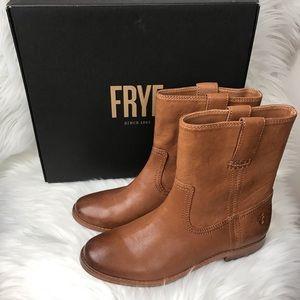 Frye Anna Short Camel Booties size 5.5 M